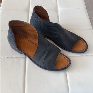 Free People 'Mont Blanc' asymmetrical sandals sz41